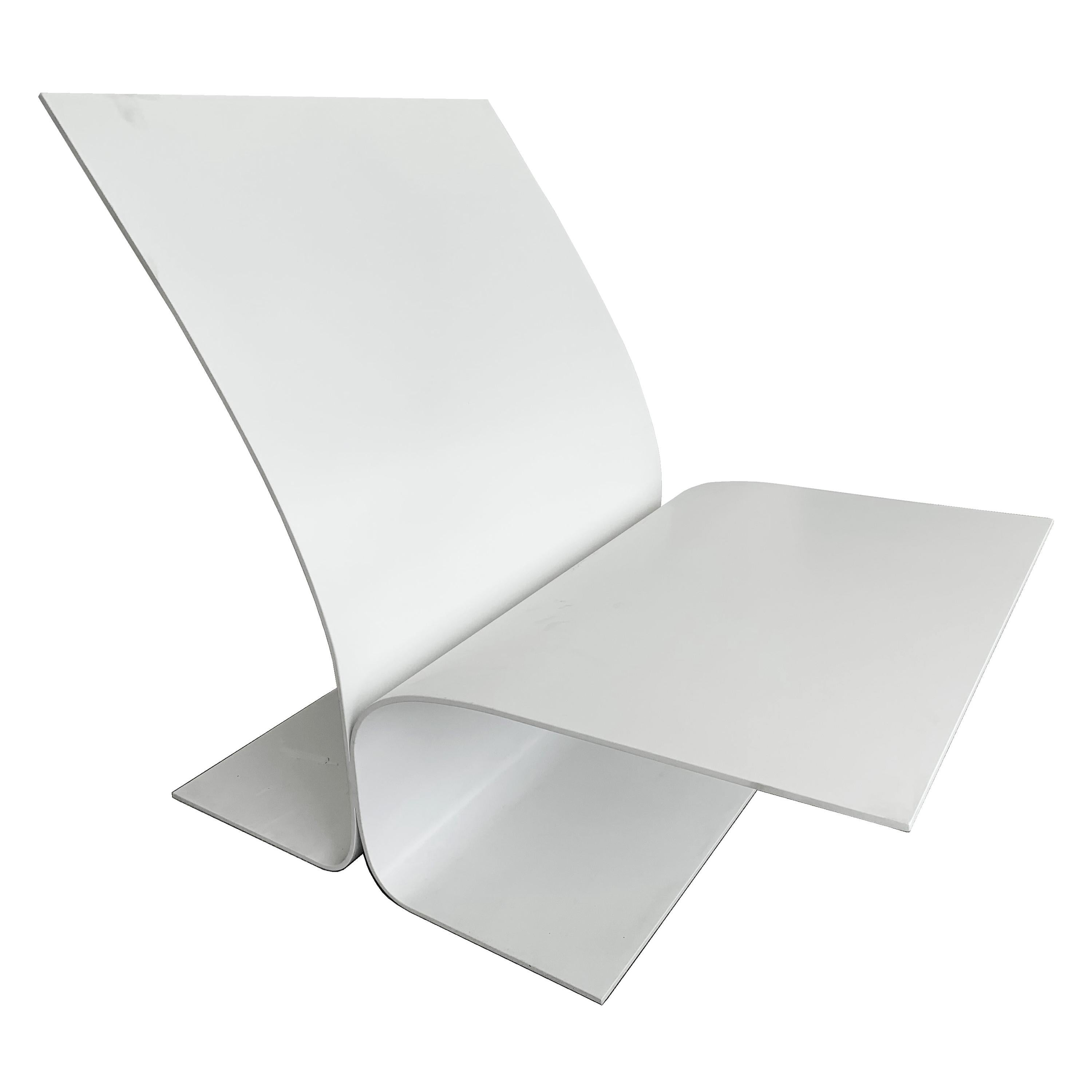 Modern Contemporary Outdoor Minimalist White Bird Chair in Recycled Metal