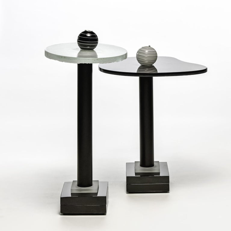 Contemporary Round  Side and Coffee Tables Murano Glass Black and White For Sale 1