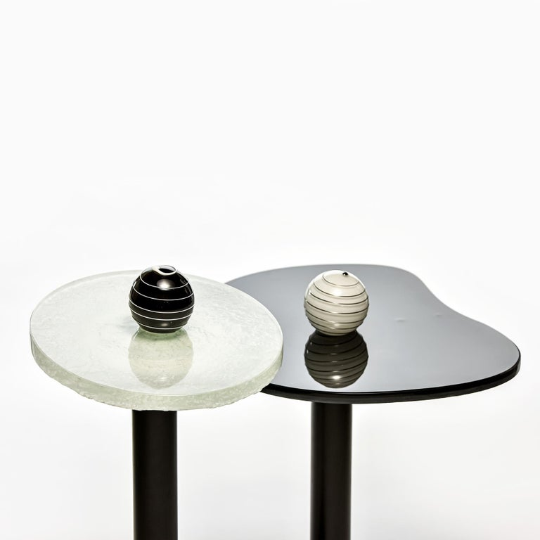 Contemporary Round  Side and Coffee Tables Murano Glass Black and White For Sale 2