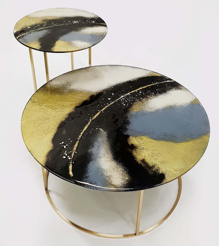 Hand-Crafted Modern Contemporary Round Coffee Tables Murano Glass in Gold, Black and Grey For Sale