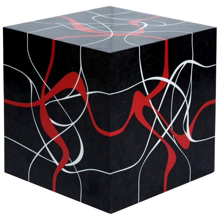 Modern Cube Table in Tessellated Horn with Graphic Red & Grey Resin Inlay, Dune For Sale