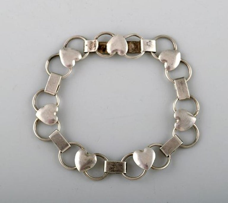 Modern Danish design. Bracelet in silver. Stamped 830S. In perfect condition. Measures: 19.5 cm.
