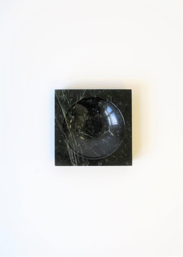 Post-Modern Modern Dark Green and White Marble Vessel or Vide-Poche, circa 1970s For Sale