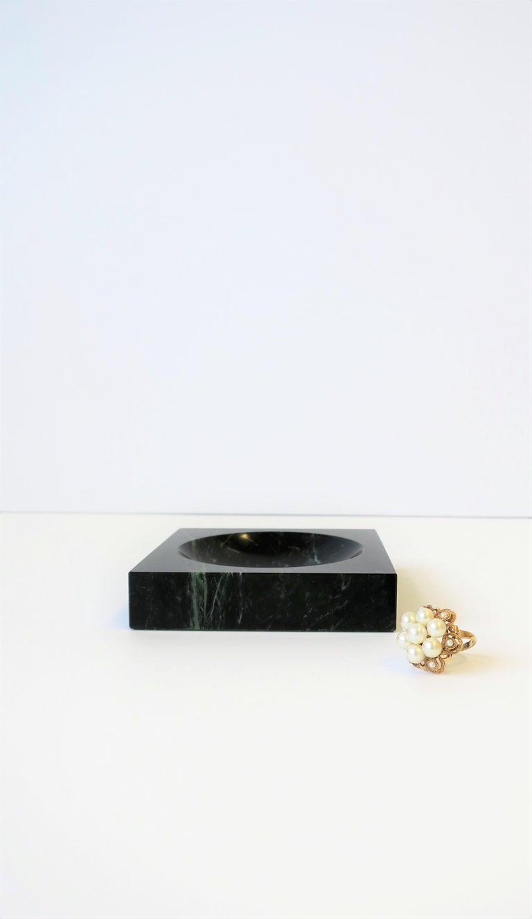 20th Century Modern Dark Green and White Marble Vessel or Vide-Poche, circa 1970s For Sale