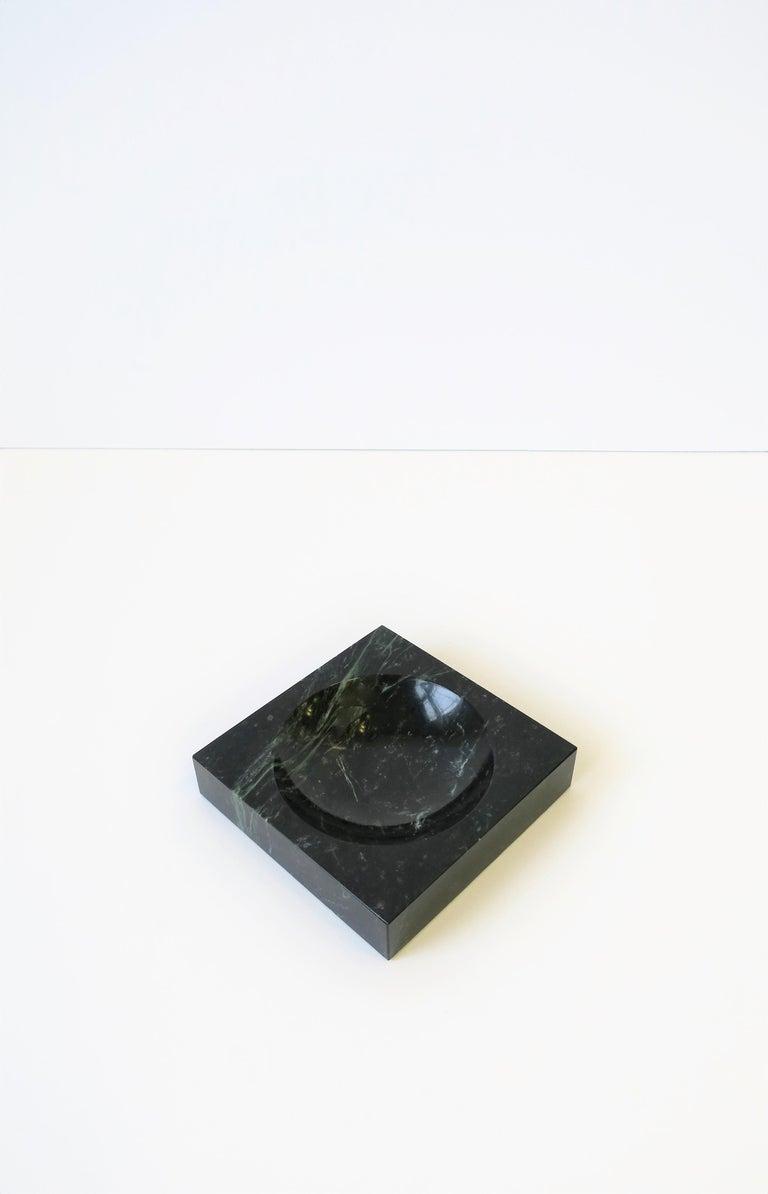 Modern Dark Green and White Marble Vessel or Vide-Poche, circa 1970s For Sale 2
