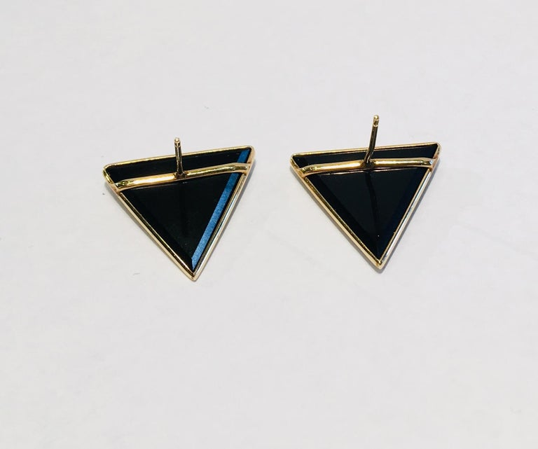 Modern Design Triangular Black Onyx, Yellow Gold and Diamond Pave Post Earrings For Sale 2