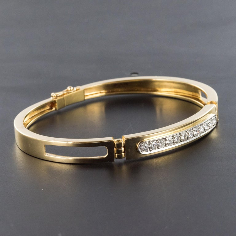Modern Diamond Line Articulated Bangle Bracelet For Sale 4