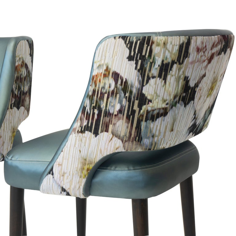 Jacquard Modern Dining Room Chair with Relaxed Pitch For Sale