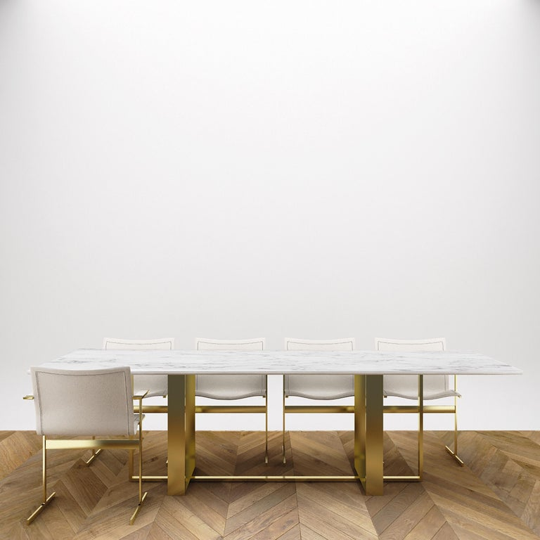 Moderner Esstisch aus italienischem Marmor und Messing plattiert 4