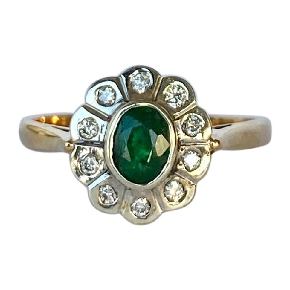 Modern Emerald and Diamond 9 Carat Cluster Ring