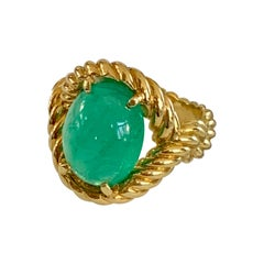 Modern Emerald Cabochon 18 Karat Yellow Gold Ring