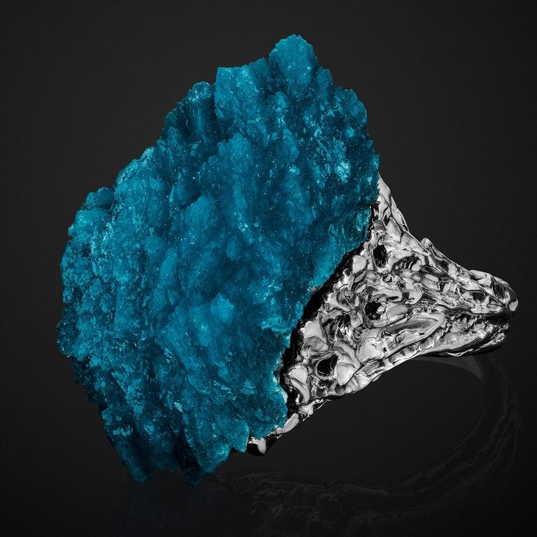 Amazing deep blue cavansite crystal ring in 14K white gold  cavansite origin - Pone, India  cavansite measurements - 0.59 x 0.71 x 1.18 in / 15 x 18 x 30 mm cavansite weight - 32.5 carats ring size - 7.5 US ring weight - 14.72 grams
