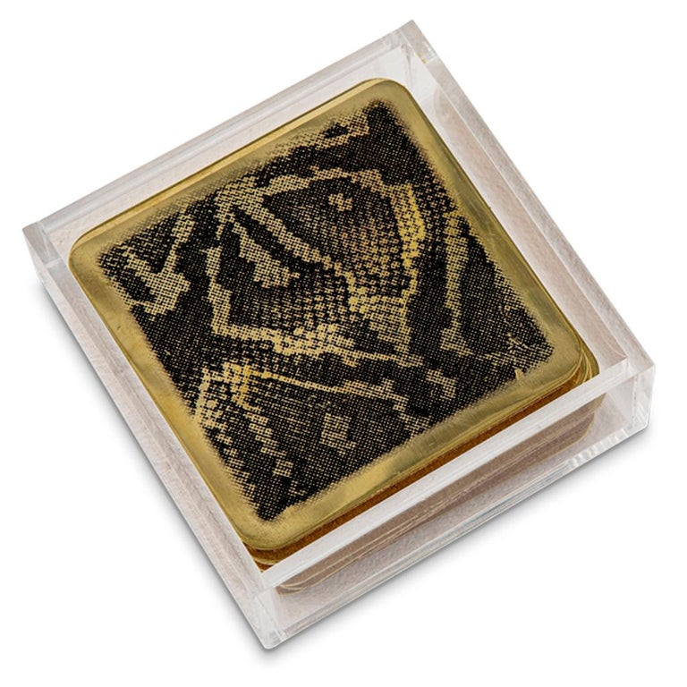 Modern Etched Brass Coaster Bar Set Presented in an Agate Decorated Lucite Box In New Condition For Sale In Bothas Hill, KZN