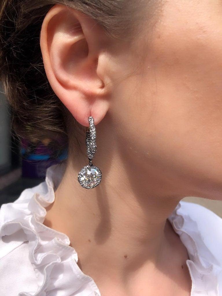 Round Cut Modern Fabergé Charmeuse Créoles Frédéric Zaavy Diamants Antiques Earrings For Sale