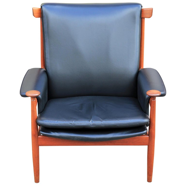 Modern Finn Juhl for France & Sons Bwana Lounge Chair in Black Leather and Teak For Sale
