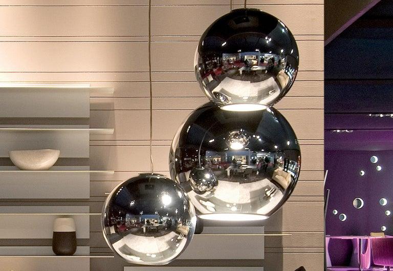 Modern Fontana Arte Globo di Luce Chrome Art Glass Pendant, Roberto Menghi, 1968 In Good Condition For Sale In Brooklyn, NY
