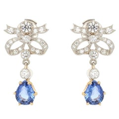 Modern French 2,79 Carat Sapphire Diamond 18 Karat Gold Knot Earrings