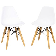 Modern Fun Eiffel Kids Chairs in White Plastic and Wood Stylish Classic Eames