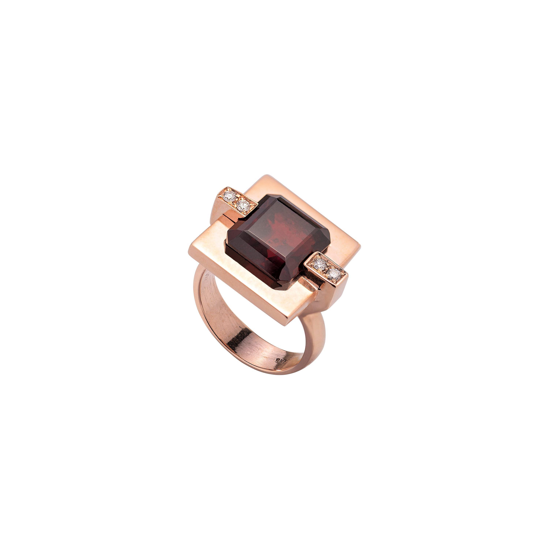 Modern Garnet 0.08 Karat White Diamonds Rose Gold Cocktail Design Ring