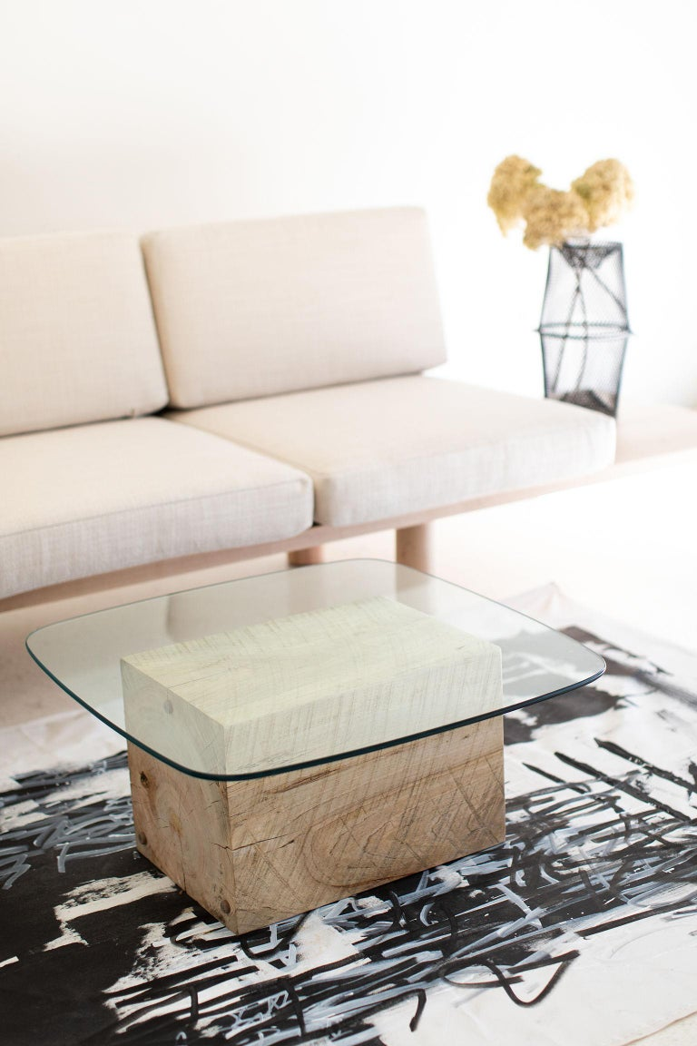 Modern Glass Top Coffee Table In New Condition For Sale In Oak Harbor, OH