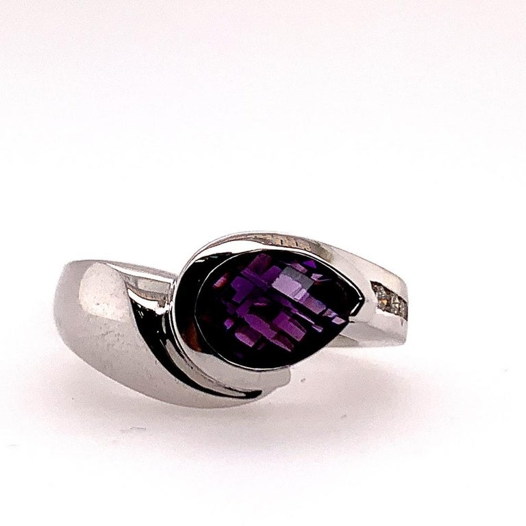 Pear Cut Modern Gold 1.55 Carat Natural Purple Amethyst & Diamond Cocktail Gem Stone Ring For Sale