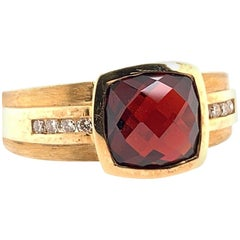 Modern Gold 3.55 Carat Natural Square Reddish Garnet and Diamond Cocktail Ring