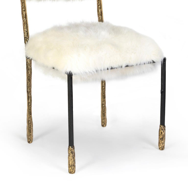 Modern Gold and Black Viking Dining Chair in Brass and Synthetic Fur Cushion In New Condition For Sale In Oporto, PT