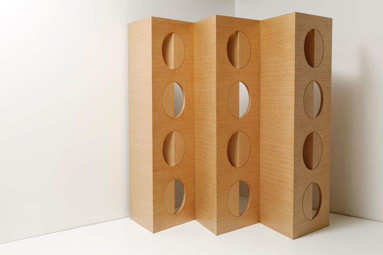 Modern Oak Room wood Divider Screen 21st century , in Stock In New Condition For Sale In Miami, FL