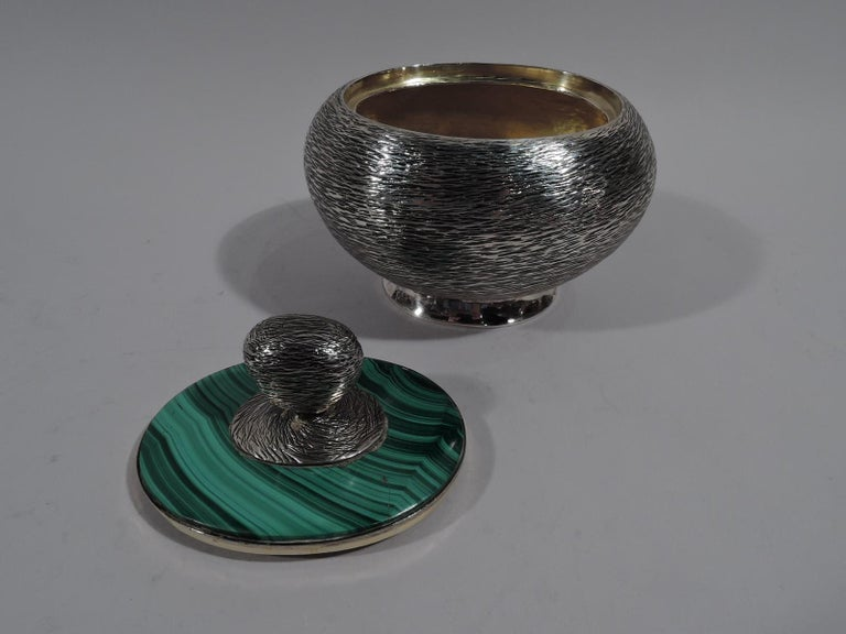 Modern Handwrought Sterling Silver & Malachite Box by New York Maker In Good Condition For Sale In New York, NY