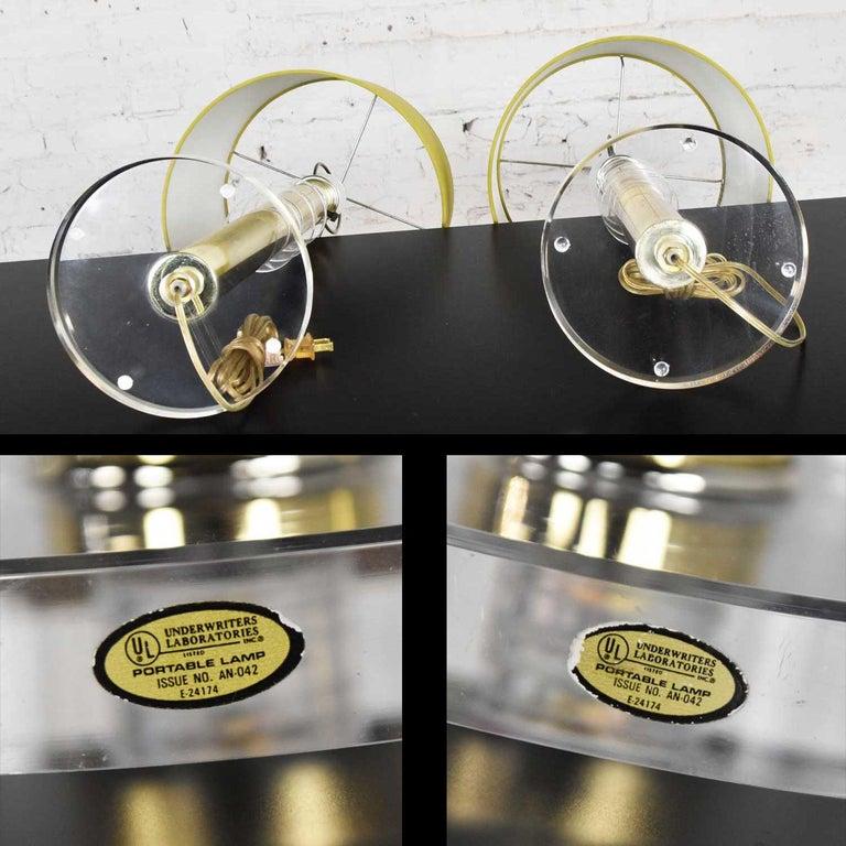 Modern Hollywood Regency Lucite & Brass Plate Lamps a Pair Style Karl Springer 6