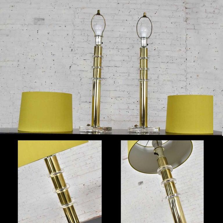 Modern Hollywood Regency Lucite & Brass Plate Lamps a Pair Style Karl Springer 4