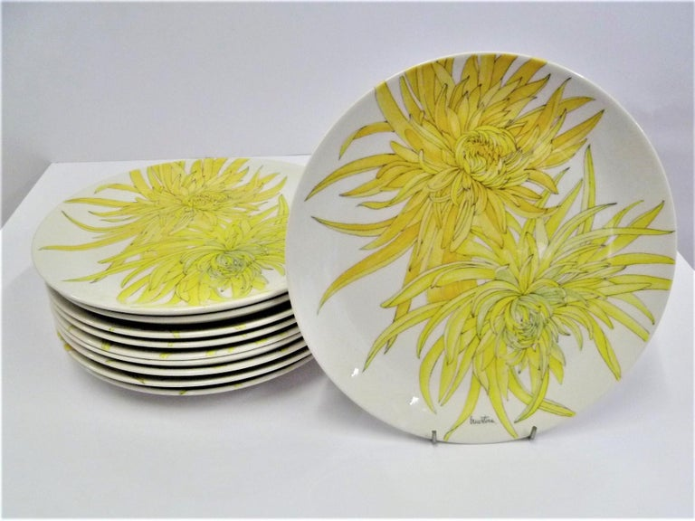 Modern Italian 10 Dinner Plates Chrysanthemum Design by Ernestine Ceramiche 1960 For Sale 1