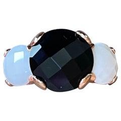 Modern Italian 18 K Rose Gold Ring White Agate Black Onyx