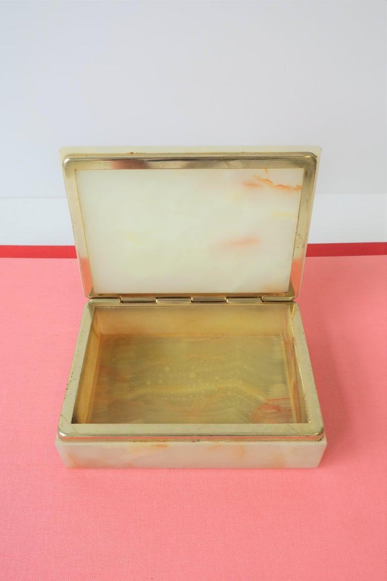 Modern Italian Onyx Marble Jewelry Box For Sale 5