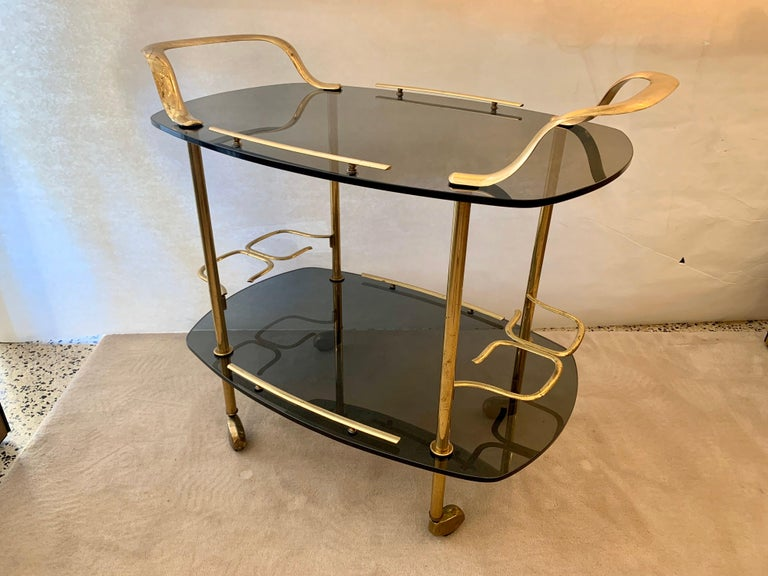 Modern Italian Vintage Brass and Glass Bar Cart For Sale 8