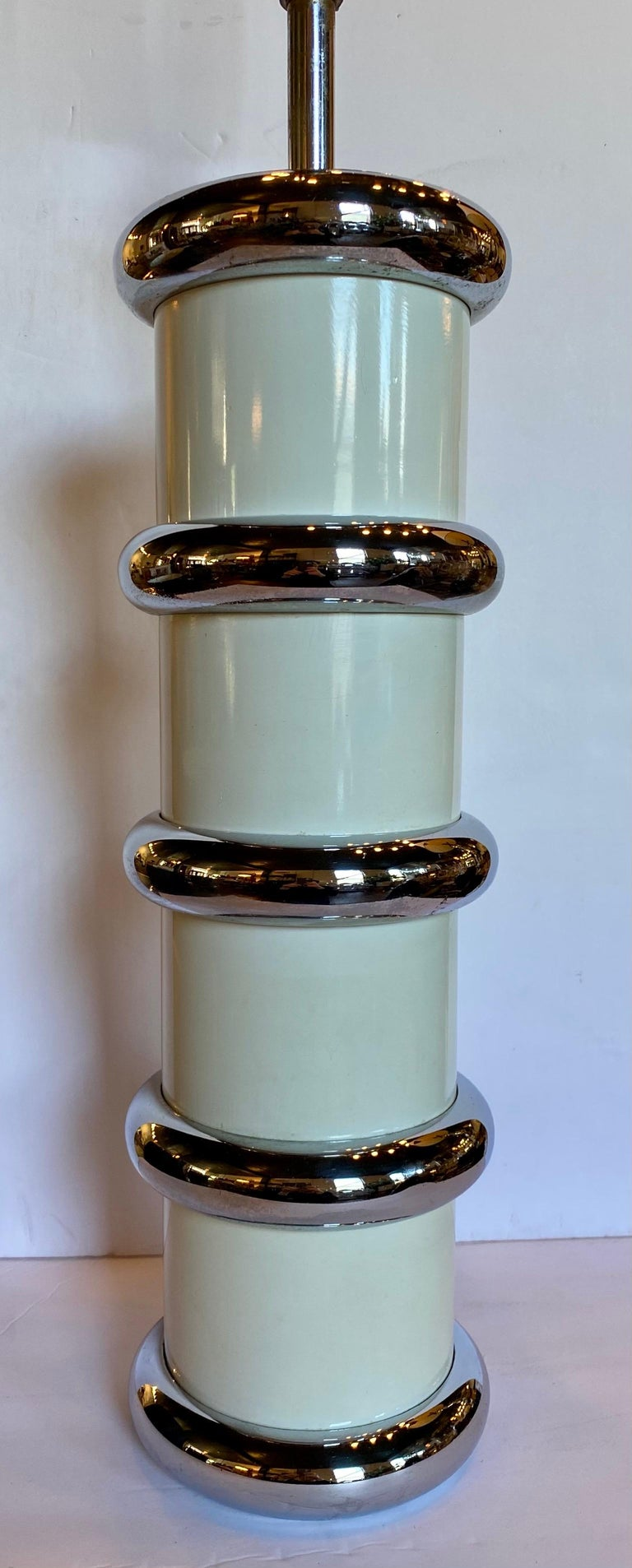 Mid-Century Modern Modern Karl Springer Style Chrome Ring Table Lamp by Mutual Sunset, 1970s For Sale