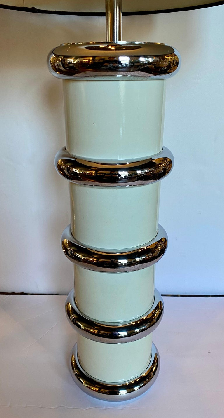 Modern Karl Springer Style Chrome Ring Table Lamp by Mutual Sunset, 1970s In Good Condition For Sale In Lambertville, NJ
