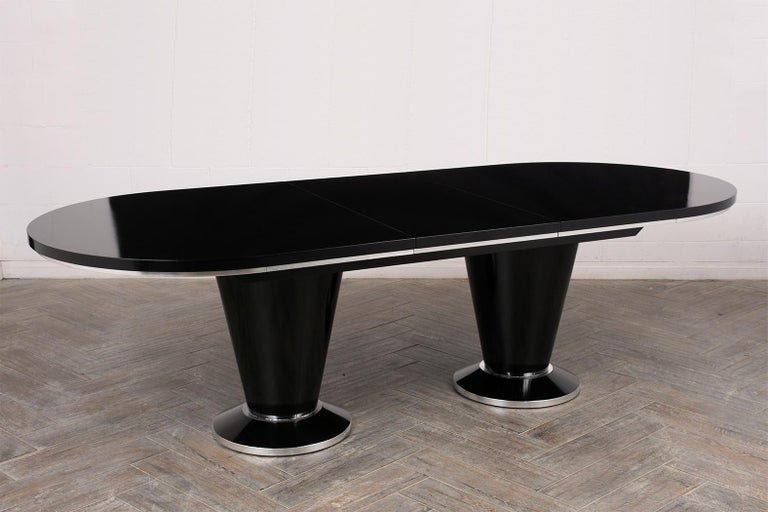 Modern Lacquered Finish Extendable Oval Dining Room Table For Sale 1