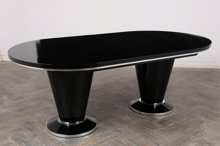 Modern Lacquered Finish Extendable Oval Dining Room Table For Sale 2