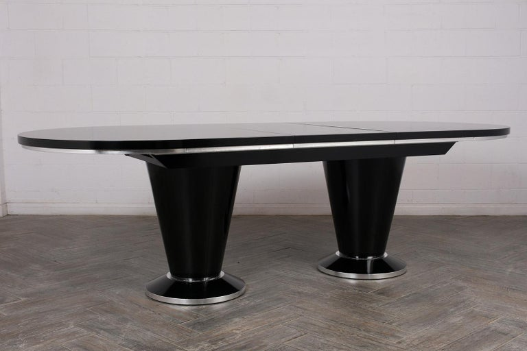 Modern Lacquered Finish Extendable Oval Dining Room Table For Sale 4