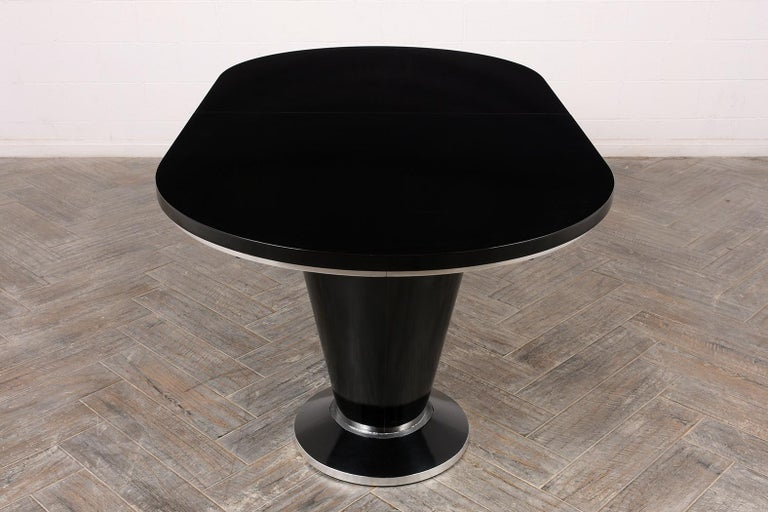 Modern Lacquered Finish Extendable Oval Dining Room Table For Sale 5