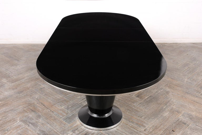 Modern Lacquered Finish Extendable Oval Dining Room Table For Sale 6