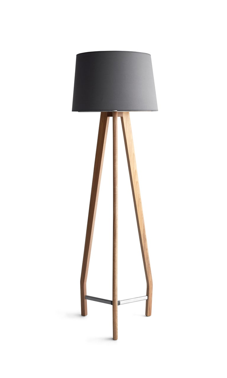 Modern Lamp in solid wood and Metal For Sale 1