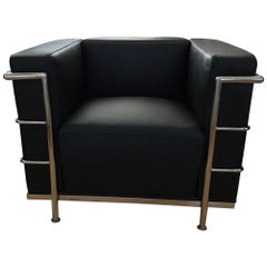 Modern Le Corbusier Design LC2 Armchair Classic Black Leather Cubed Chrome Frame