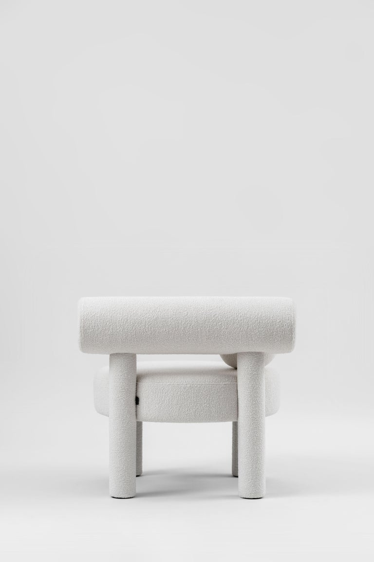 Modern Low Chair Gropius CS1 in Boucle Fabric by NOOM For Sale 3
