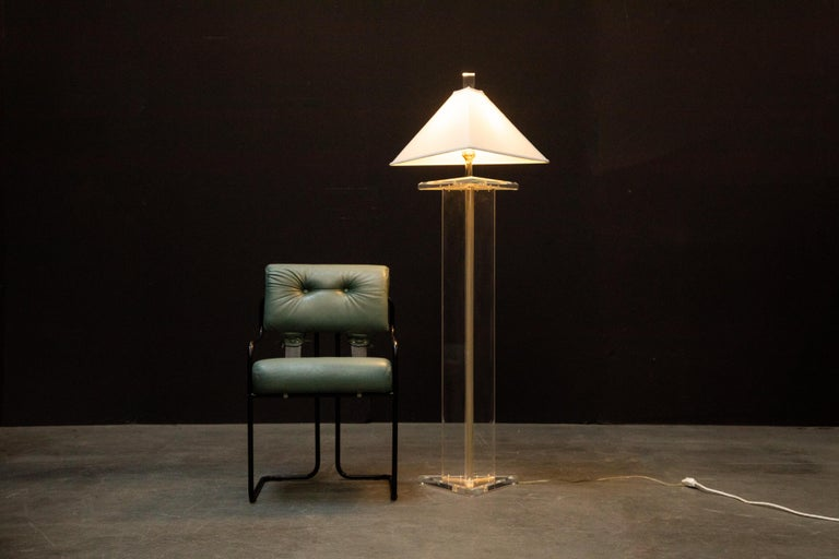 Modern Lucite Floor Lamp by Marlee, circa 1970s, Signed For Sale 1