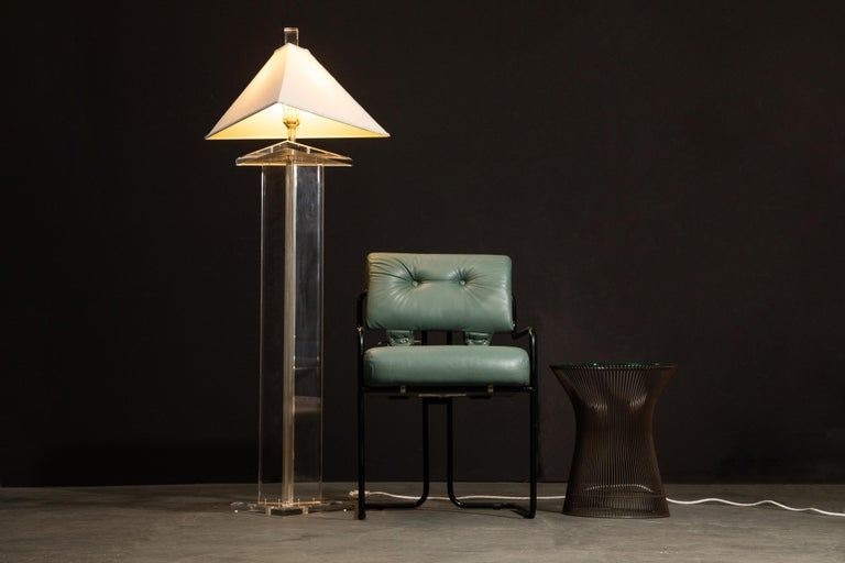 Modern Lucite Floor Lamp by Marlee, circa 1970s, Signed For Sale 3
