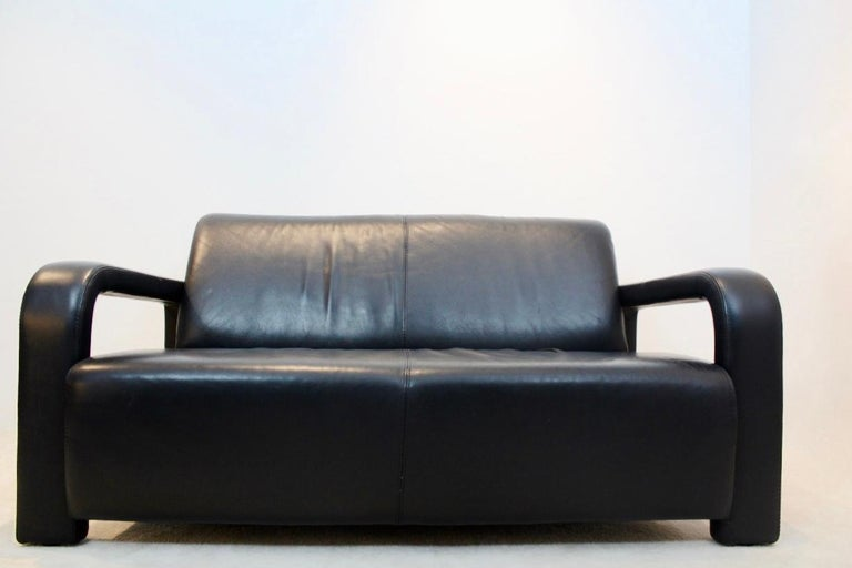 Mid-Century Modern Modern Marinelli Two-Seat Black Leather Sofa, Italy For Sale