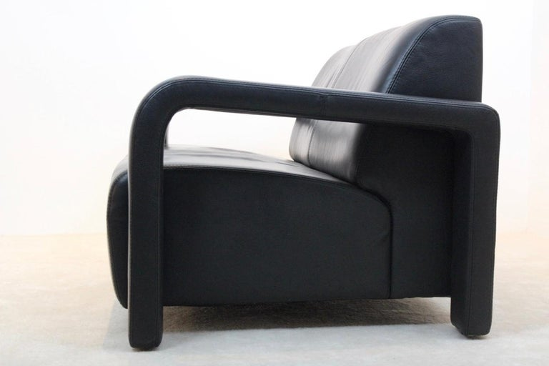 Modern Marinelli Two-Seat Black Leather Sofa, Italy In Good Condition For Sale In Voorburg, NL