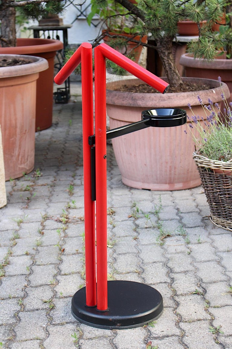 20th Century Modern Memphis Style Vintage Red Black Metal Valet, 1980s, Italy For Sale